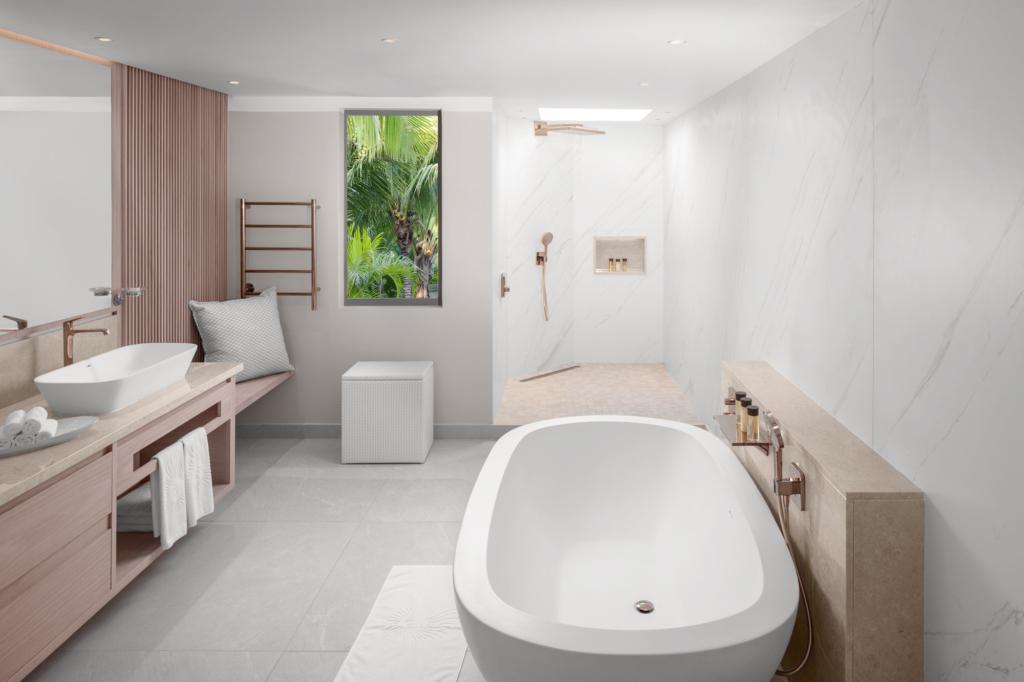 Interior Luxury Hotel Bathroom - Photography by Adrian Kilchherr; Hotel Resort Photographer Worldwide