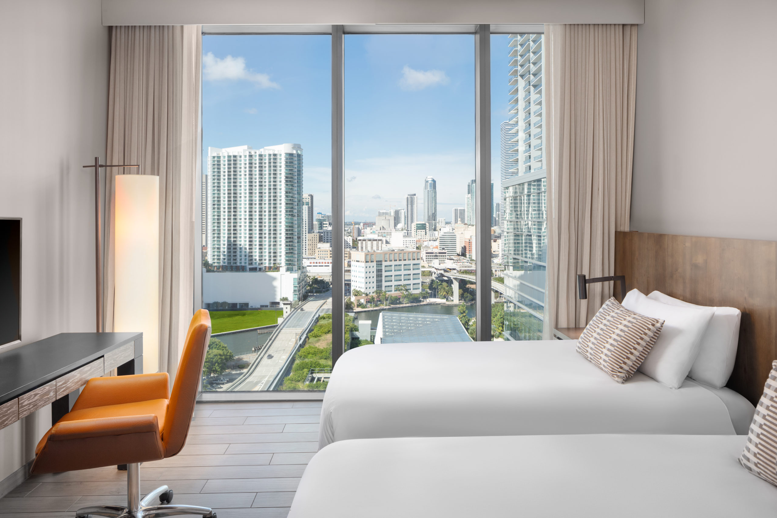 Luxury Hotel Guestroom Photography Miami Florida by Adrian Kilchherr, Approved Hilton, Hyatt Photographer