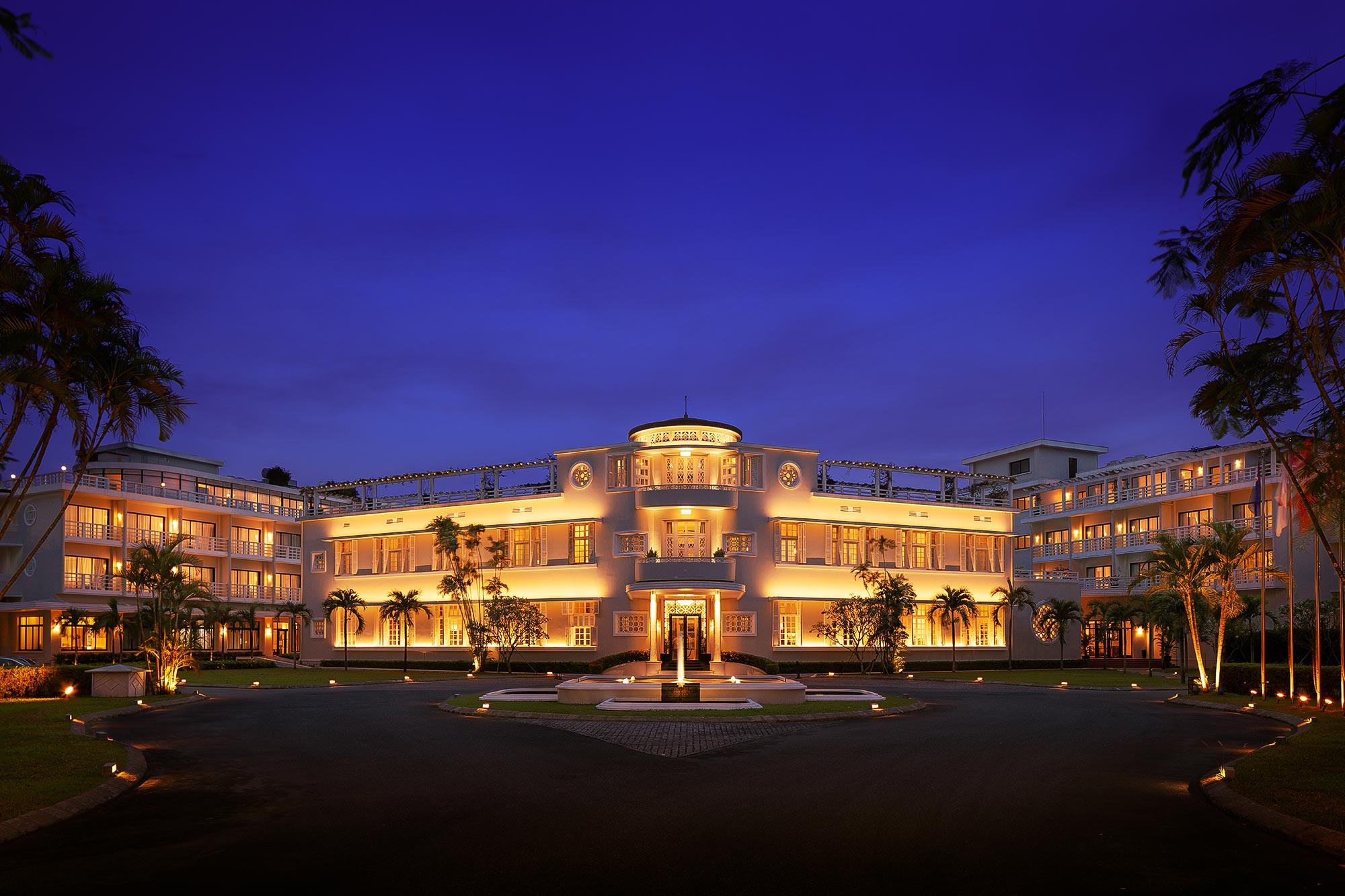 Azerai-Exterior-Luxury-Hotel-Photographer-Adrian-Kilchherr-Asia-Europe-Vietnam