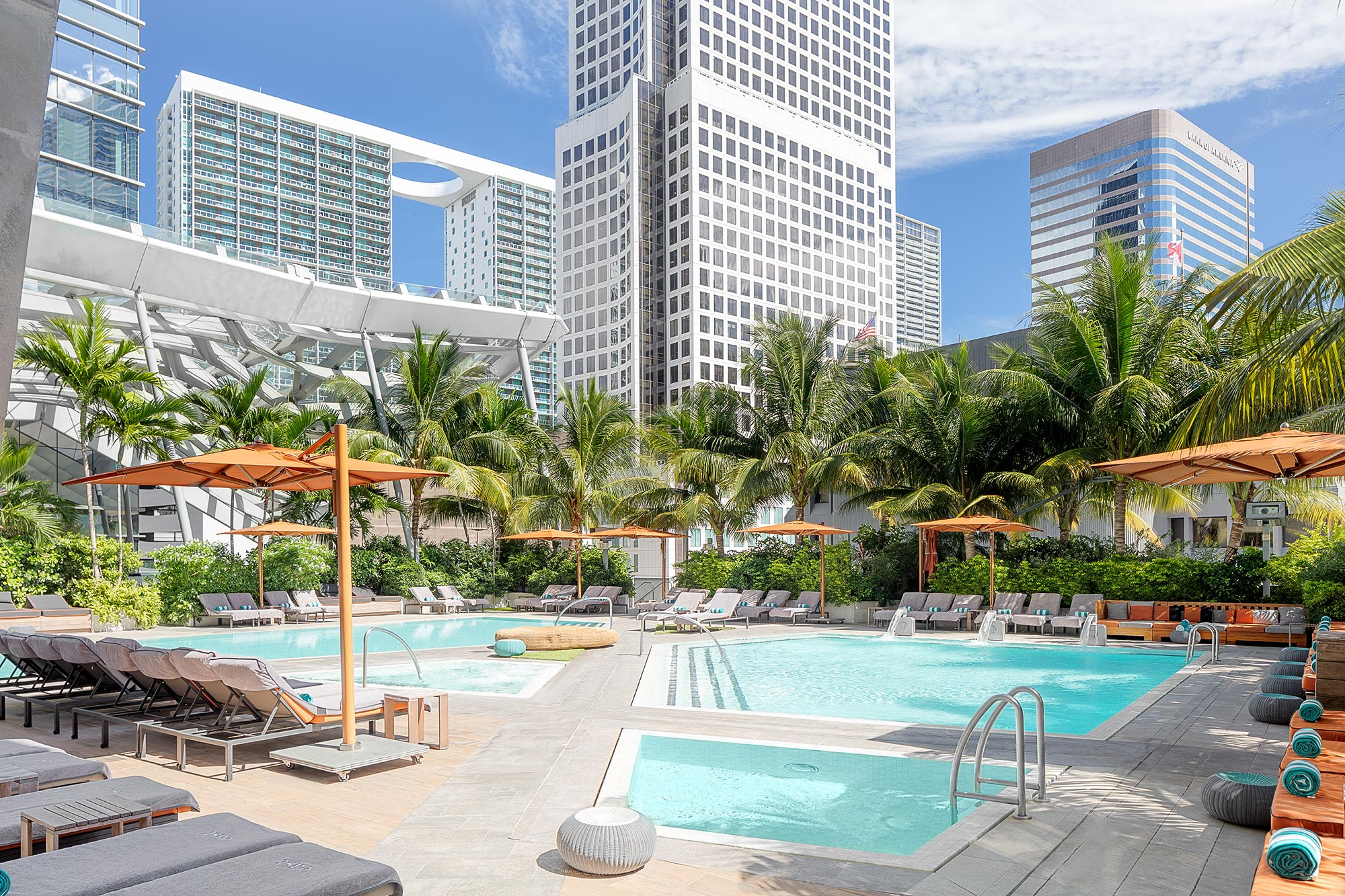 Hotel-Pool-Photography-Miami-Florida-by-Swiss-Photographer-Adrian-Kilchherr