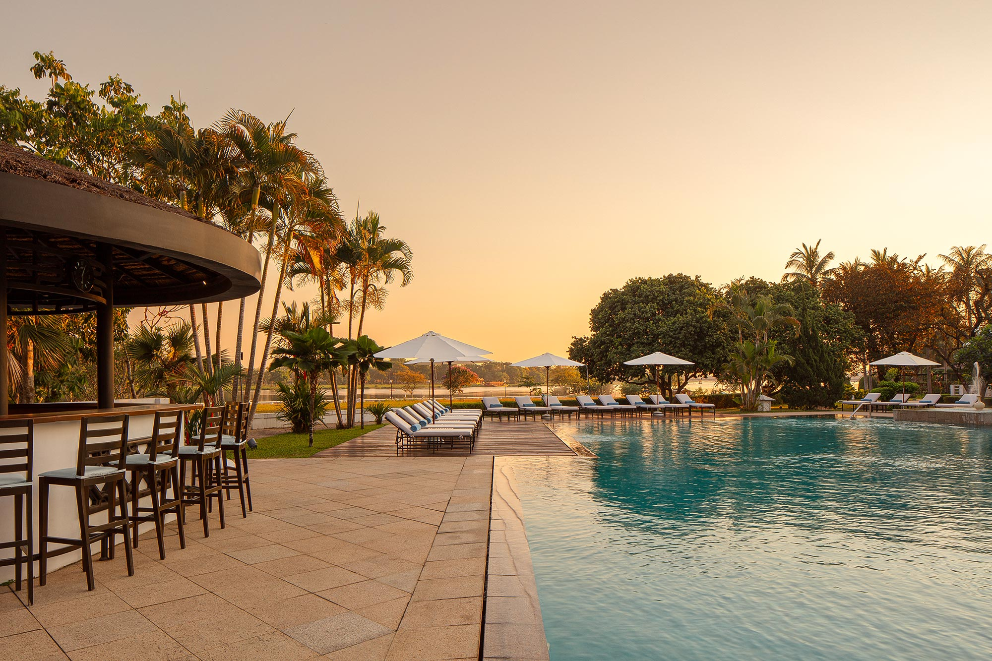 Luxury-Hotel-Pool-Photography-by-Adrian-Kilchherr-Asia-Europe-Worldwide-
