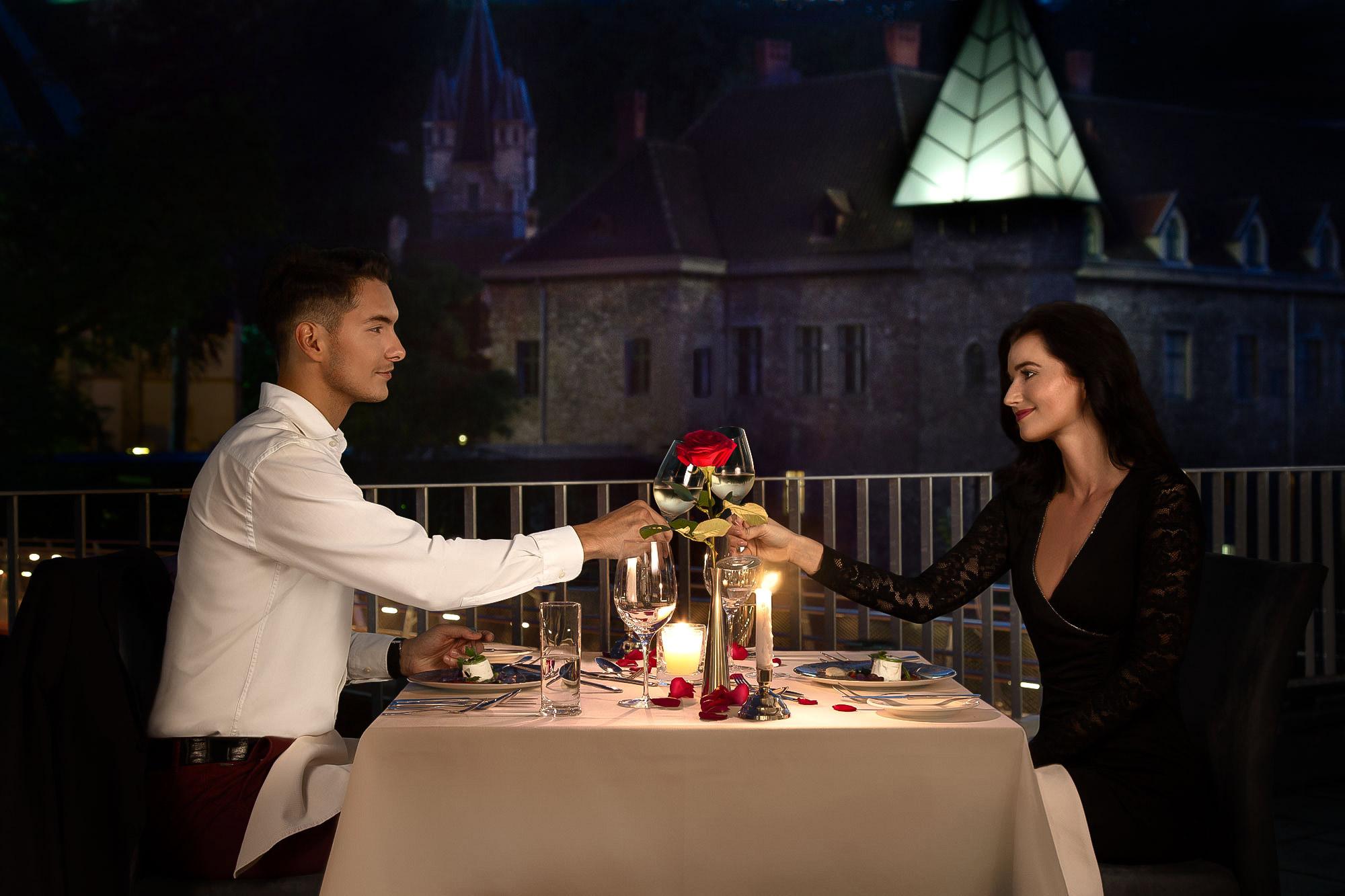 Romantische Dinner-Lifestyle-Fotografie Oesterreich von Adrian Kilchherr; Hotel- und Resortfotograf aus Schweiz