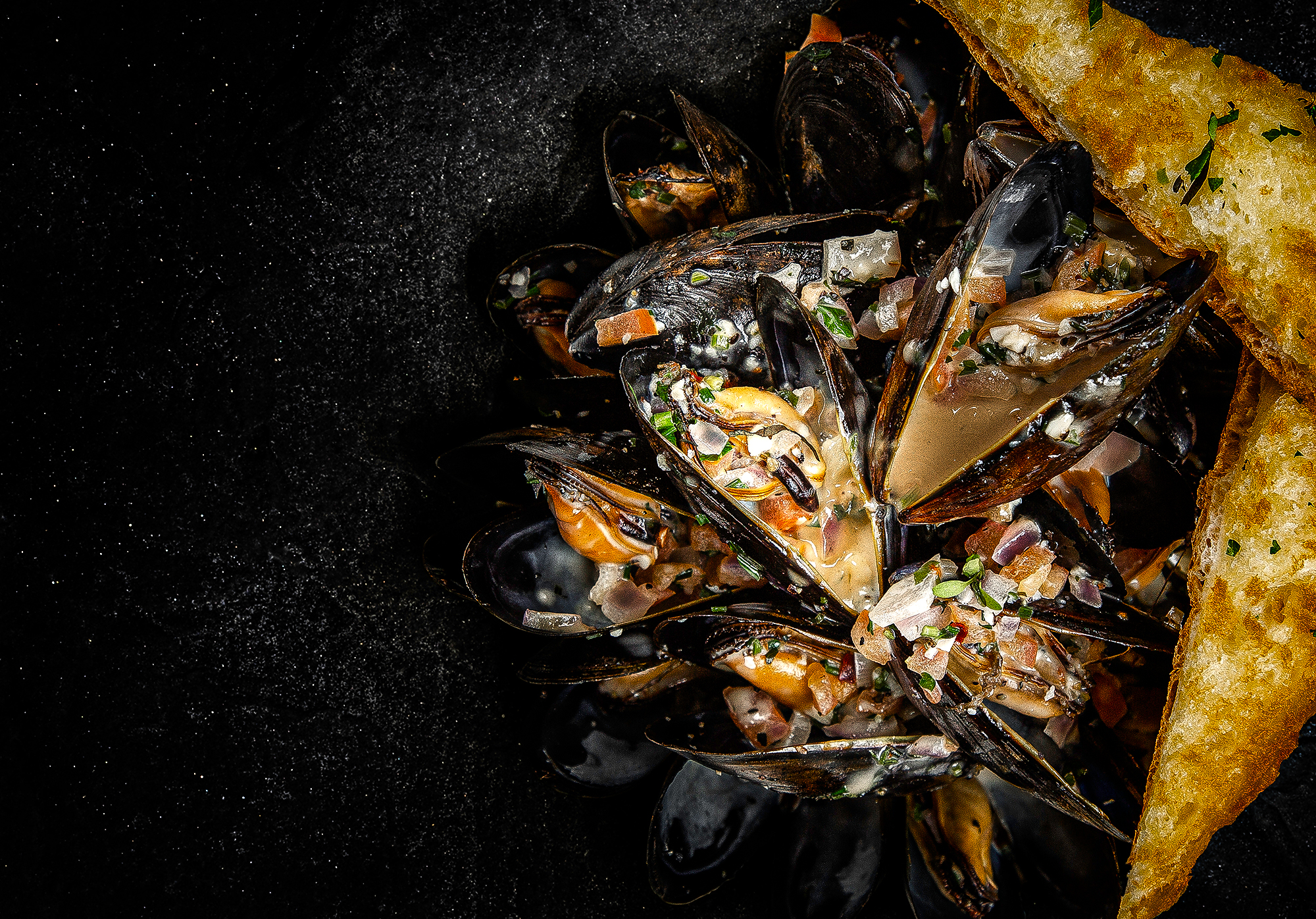 Seafood dark mood photography by Adrian Kilchherr; Professional Food Photographer